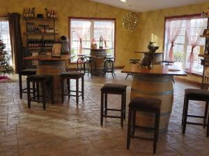 Leonard Oakes Tasting Room